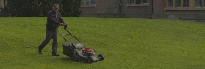 Tonte jardin tourinnes la grosse listminut - Tondre la pelouse anglais ...